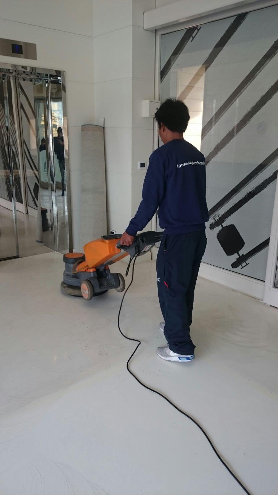 lavaggio meccanico pavimentazioni